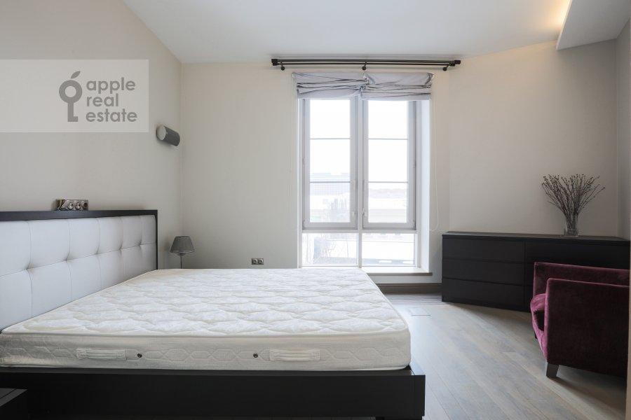 Спальня в 4-комнатной квартире по адресу Зачатьевский 1-й пер. 5