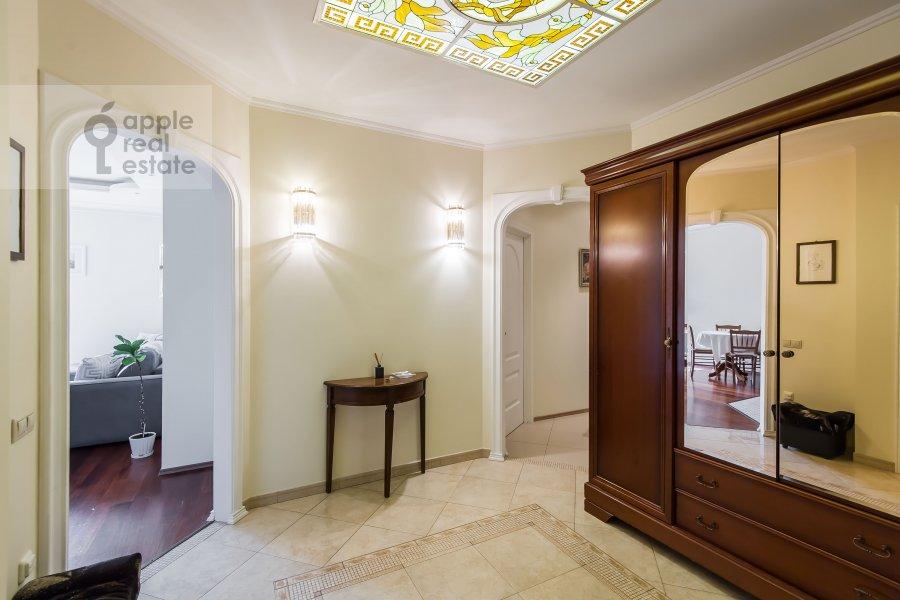 Коридор в 3-комнатной квартире по адресу Расплетина 22к2
