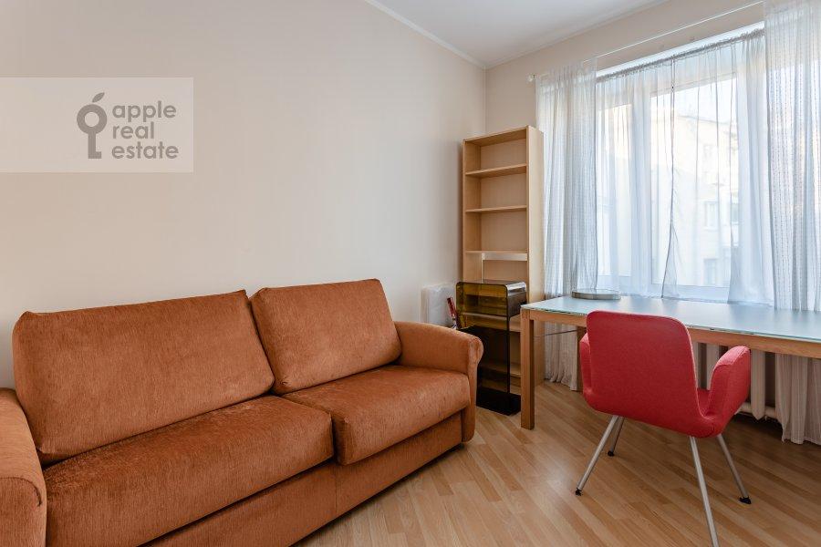 Детская комната / Кабинет в 3-комнатной квартире по адресу Сивцев Вражек пер. 21
