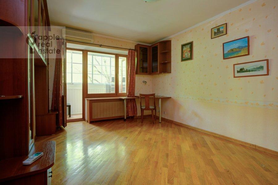 Children's room / Cabinet of the 3-room apartment at Vlas'evskiy Malyy per. 3k1