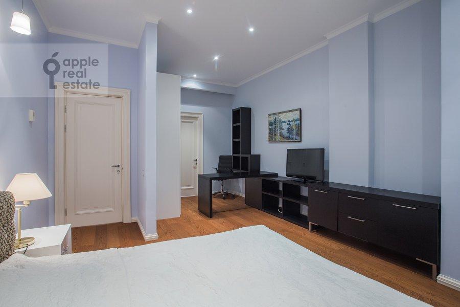 Спальня в 3-комнатной квартире по адресу Хилков пер. 1