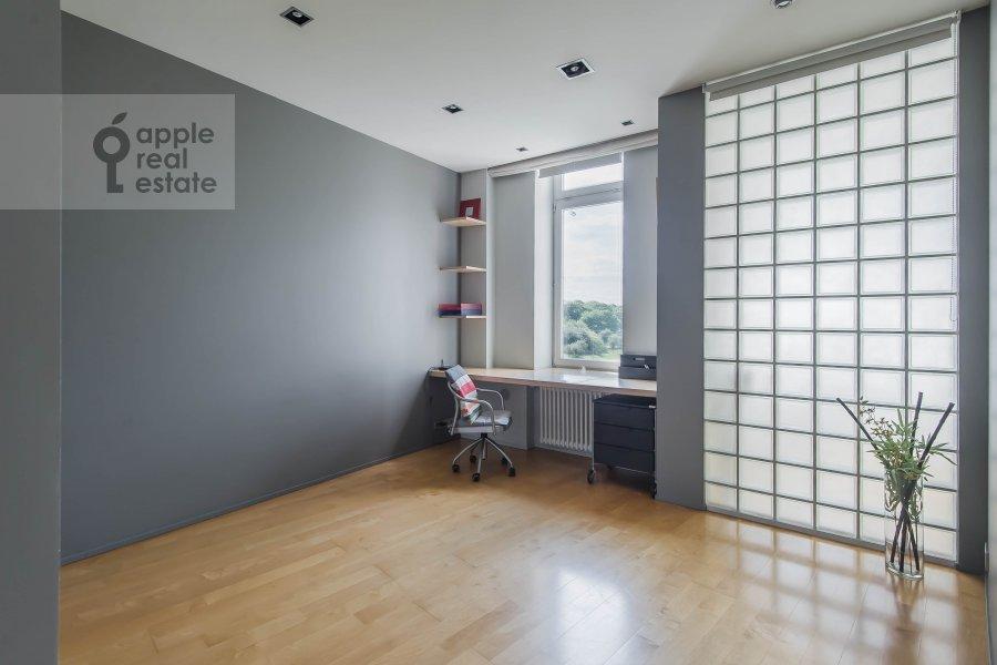 Children's room / Cabinet of the 3-room apartment at Arkhitektora Vlasova 22