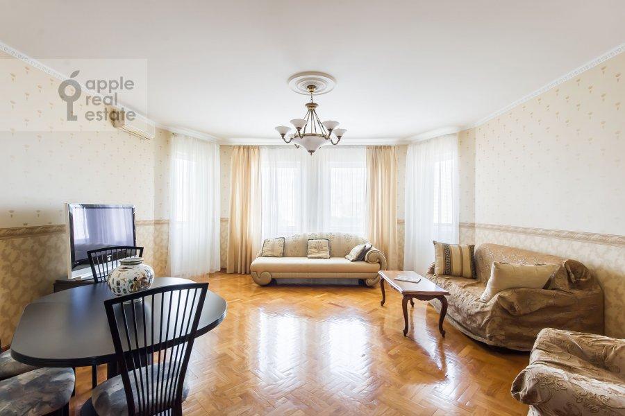 Гостиная в 2-комнатной квартире по адресу Удальцова ул. 32с1