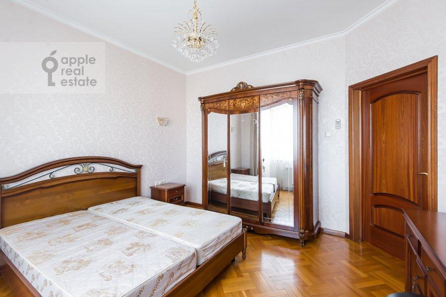 Спальня в 2-комнатной квартире по адресу Удальцова ул. 32с1