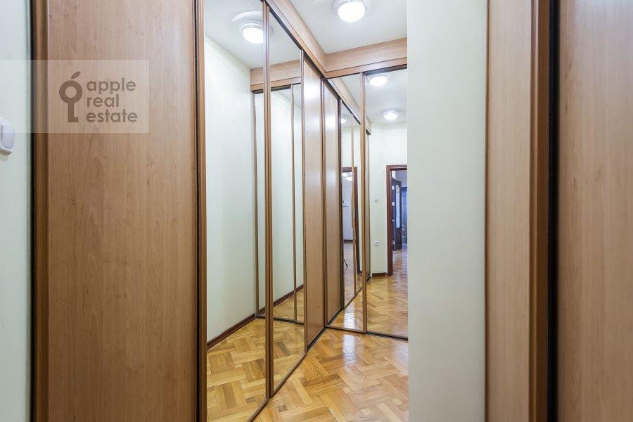 Гардеробная комната / Постирочная комната / Кладовая комната в 2-комнатной квартире по адресу Удальцова ул. 32с1