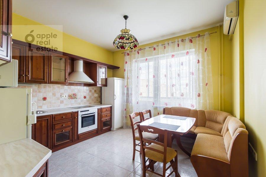 Кухня в 2-комнатной квартире по адресу Удальцова ул. 32с1