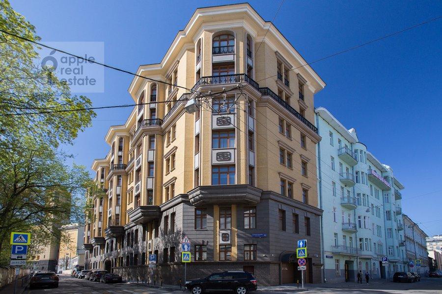 Photo of the house of the 4-room apartment at Kolymazhnyy pereulok 10