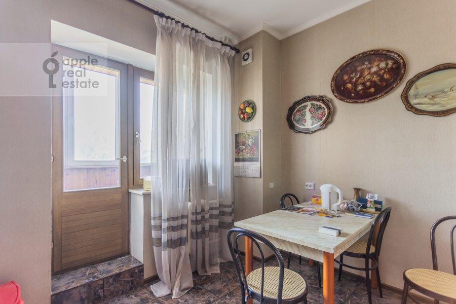Кухня в 3-комнатной квартире по адресу Гарибальди ул. 36