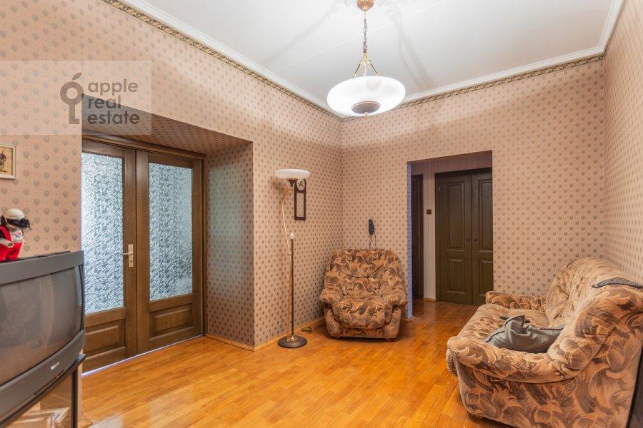 Гостиная в 3-комнатной квартире по адресу Гарибальди ул. 36