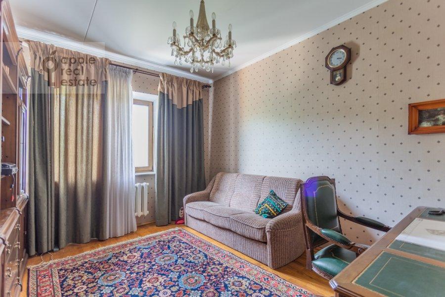 Детская комната / Кабинет в 3-комнатной квартире по адресу Гарибальди ул. 36