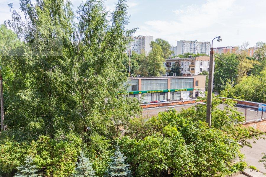 Вид из окна в 3-комнатной квартире по адресу Гарибальди ул. 36