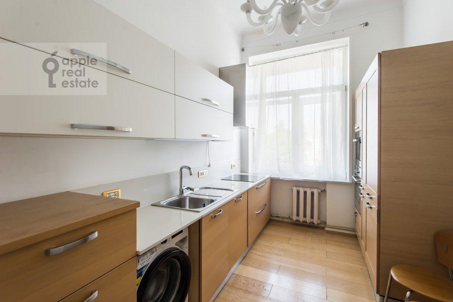 Kitchen of the 4-room apartment at Klimentovskiy pereulok 9/1