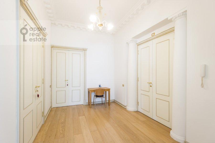 Corridor of the 4-room apartment at Klimentovskiy pereulok 9/1
