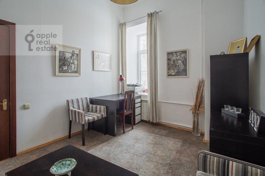 Детская комната / Кабинет в 4-комнатной квартире по адресу Покровка ул. 44