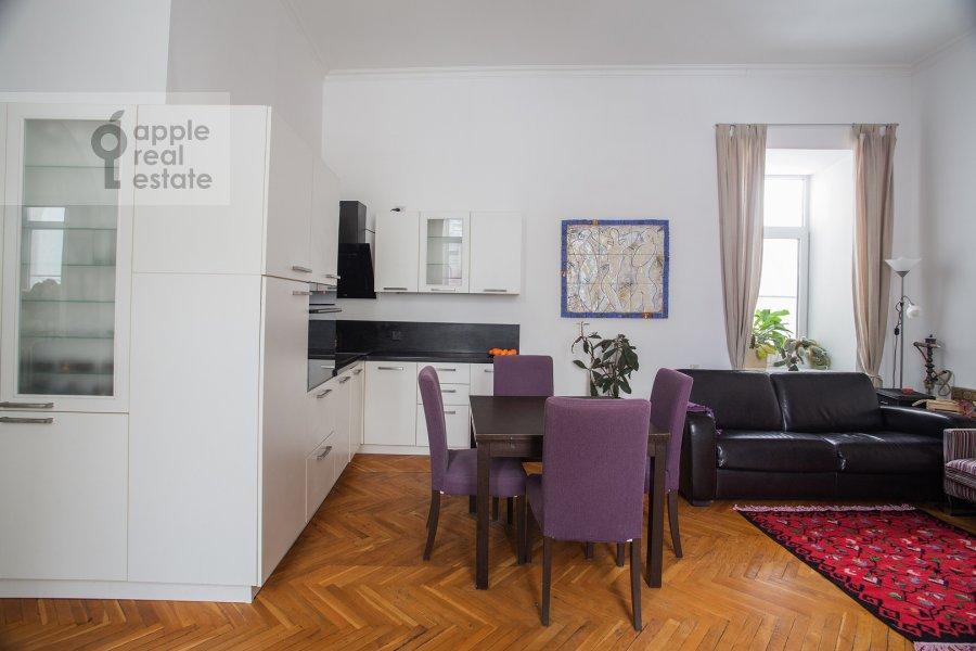 Кухня в 4-комнатной квартире по адресу Покровка ул. 44