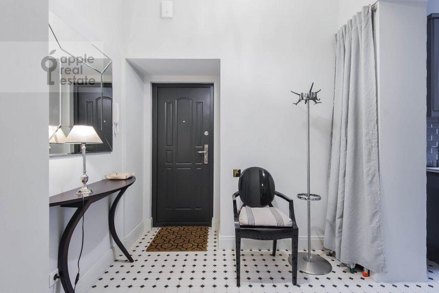 Коридор в 2-комнатной квартире по адресу 1-я Тверская-Ямская ул. 13с1