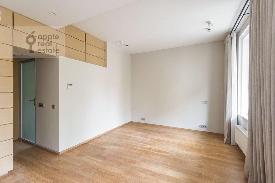 Спальня в 4-комнатной квартире по адресу Бутиковский пер. 16с3
