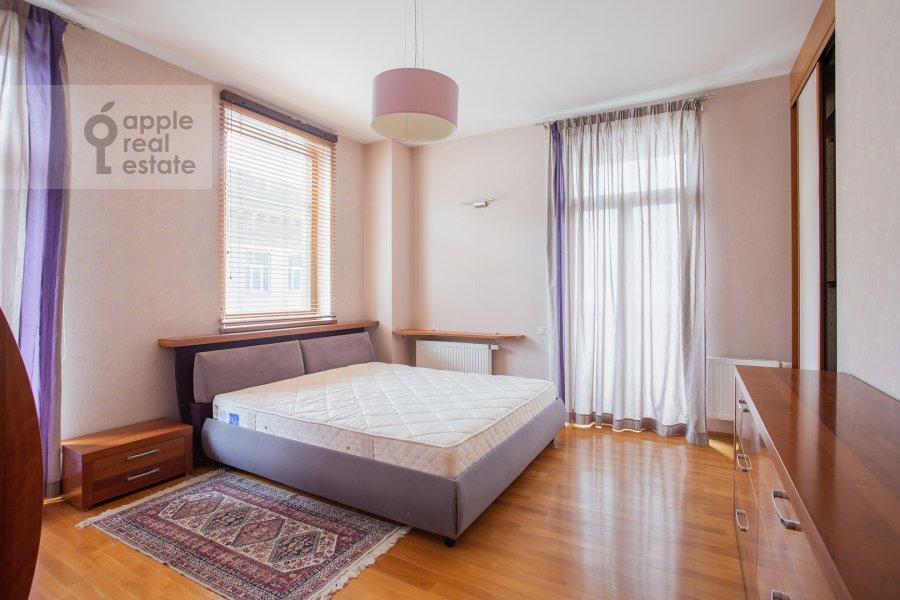 Bedroom of the 4-room apartment at Mashkova ulitsa 1