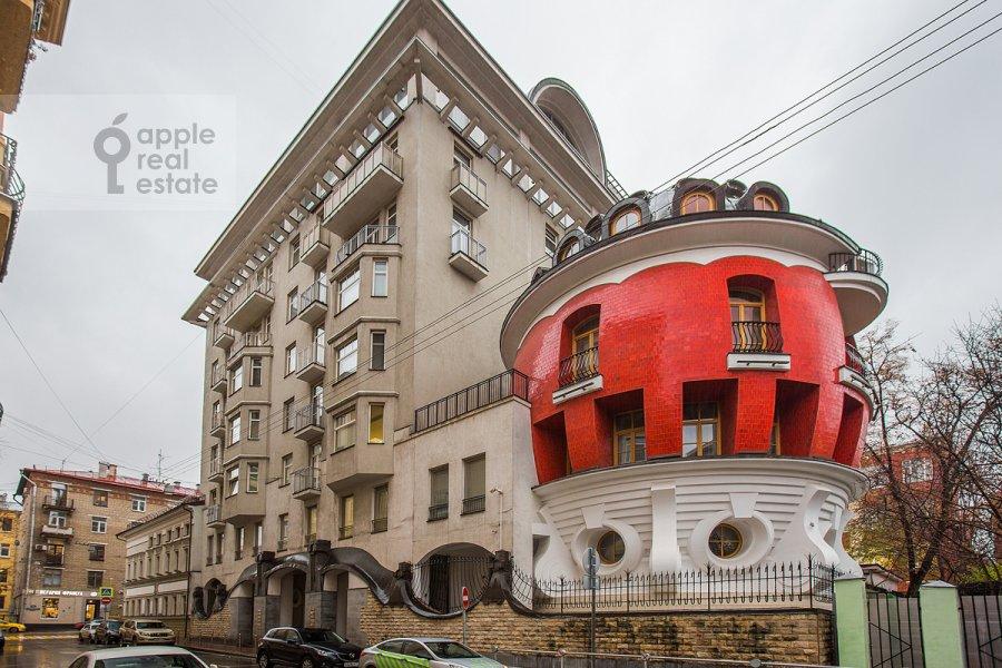 Photo of the house of the 4-room apartment at Mashkova ulitsa 1