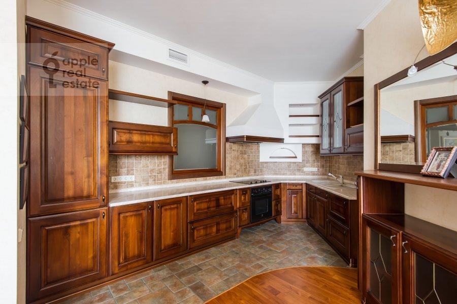 Кухня в 3-комнатной квартире по адресу Звенигородская ул. 8к1