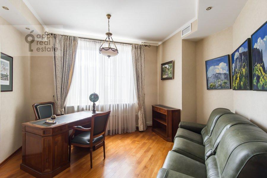Детская комната / Кабинет в 3-комнатной квартире по адресу Звенигородская ул. 8к1