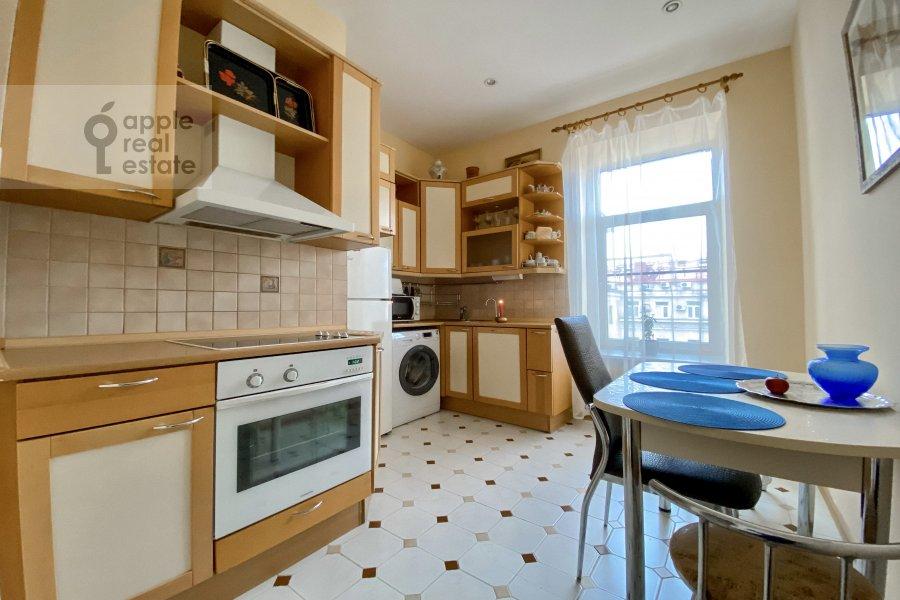 Кухня в 3-комнатной квартире по адресу Тверская улица 6с3