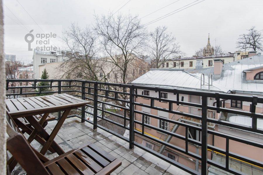 Balcony / Terrace / Loggia of the 4-room apartment at Skaryatinskiy per. 7