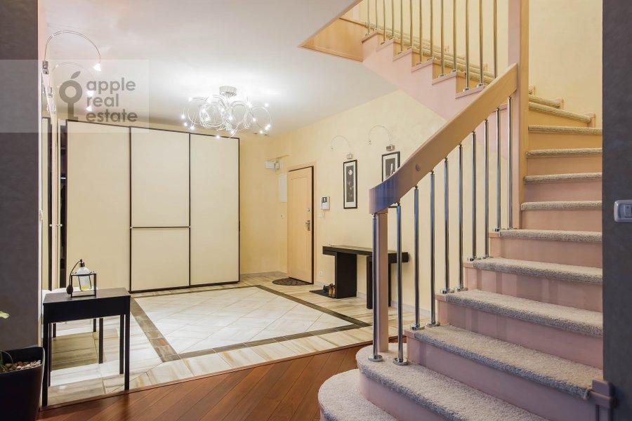 Corridor of the 4-room apartment at Skaryatinskiy per. 7