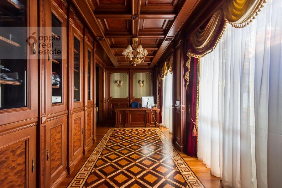 Children's room / Cabinet of the 5-room apartment at Aviatsionnaya ul. 79