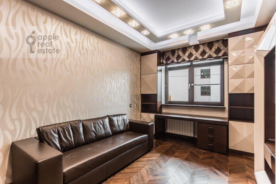 Детская комната / Кабинет в 4-комнатной квартире по адресу Ходынский бул. 9