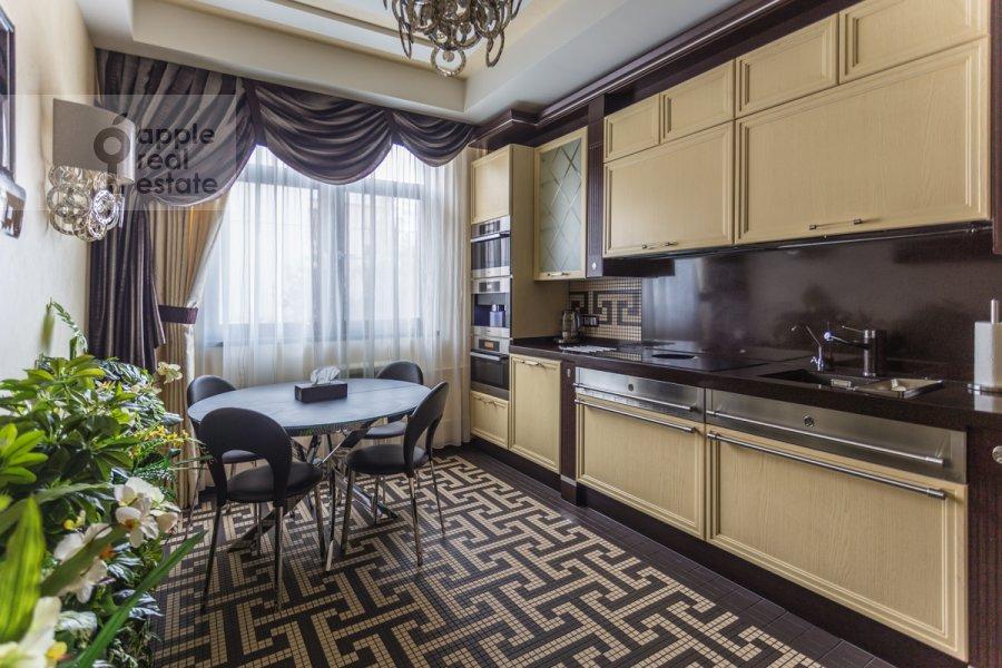 Кухня в 4-комнатной квартире по адресу Ходынский бул. 9