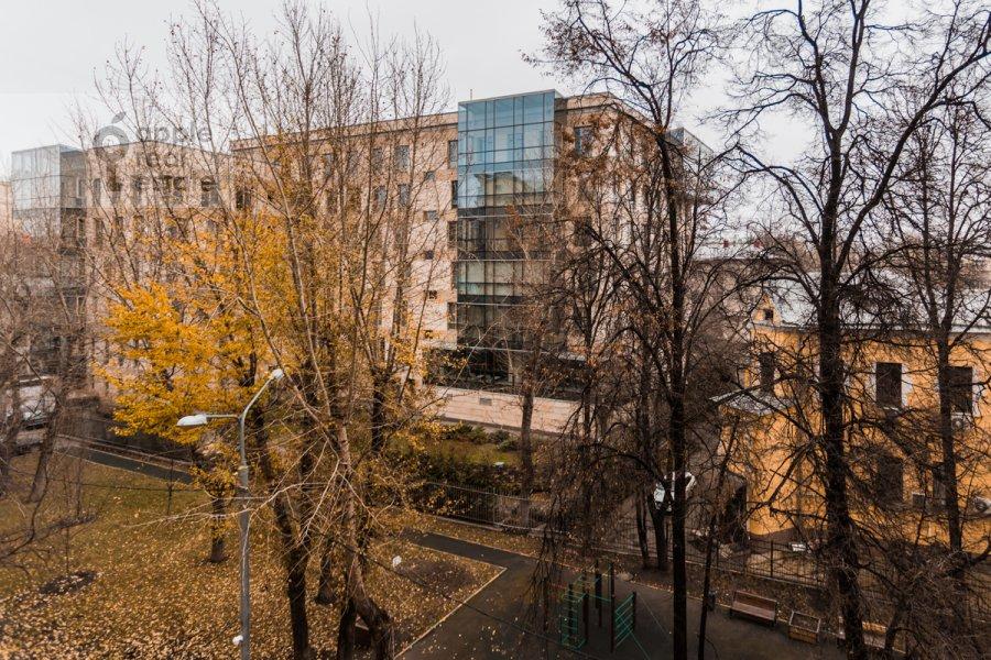 Вид из окна в 2-комнатной квартире по адресу Смоленский бульвар 22/14