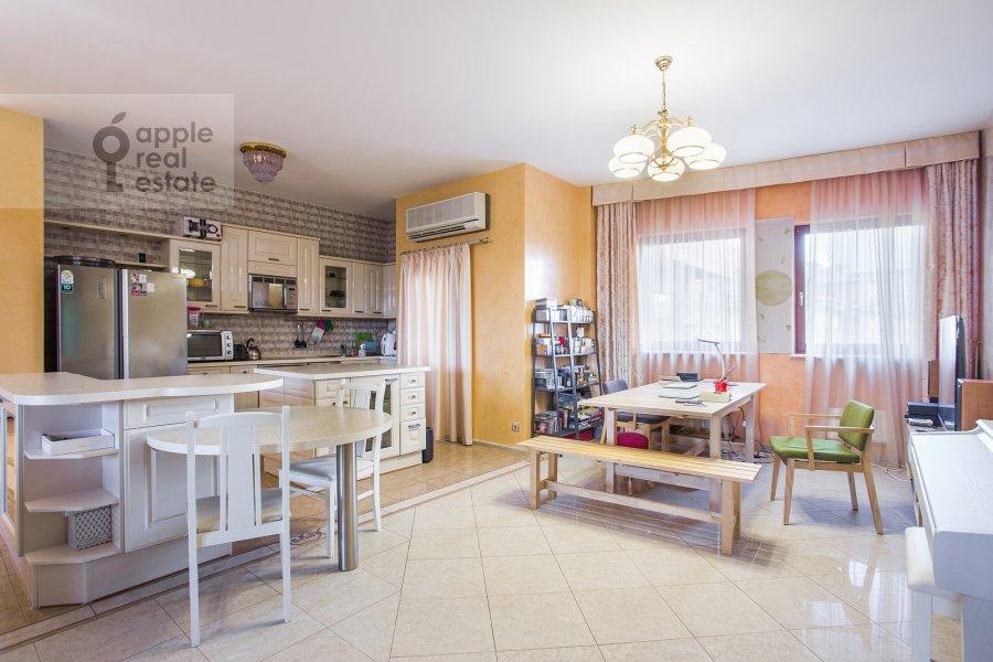 Kitchen of the 3-room apartment at B. Tolmachevskiy per. 4s1