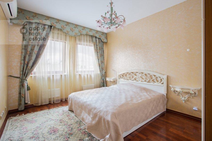 Bedroom of the 3-room apartment at Bol'shoy Tolmachevskiy pereulok 4s1