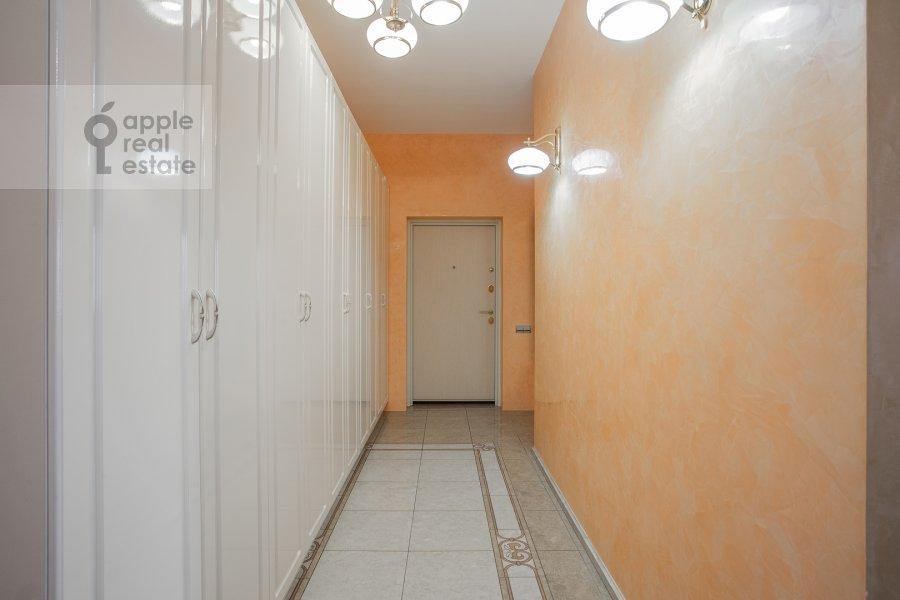 Corridor of the 3-room apartment at Bol'shoy Tolmachevskiy pereulok 4s1