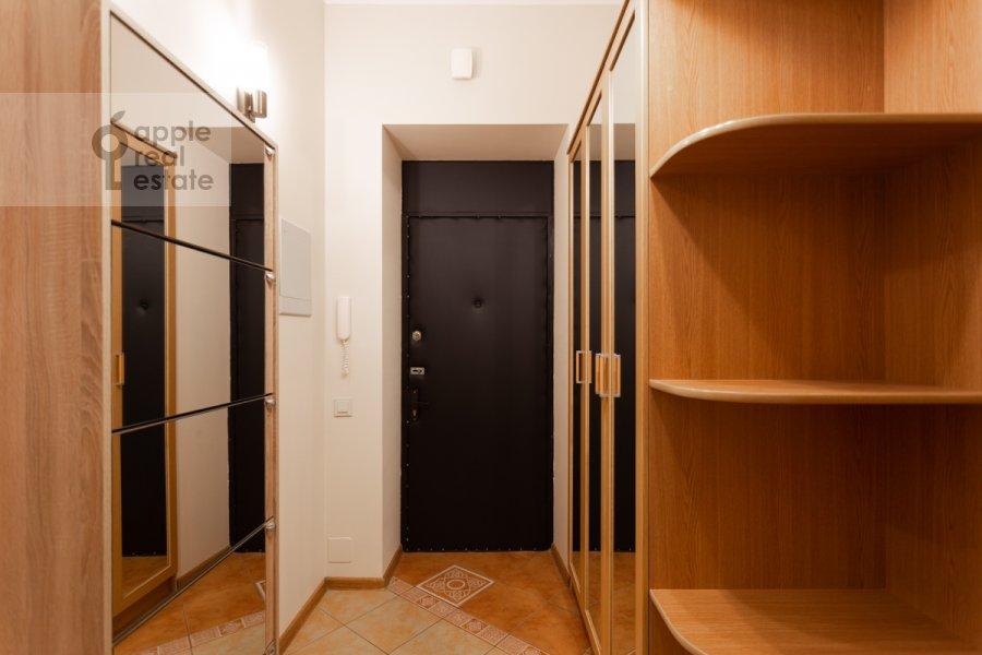 Corridor of the 3-room apartment at Kutuzovskiy pr-kt 4/2