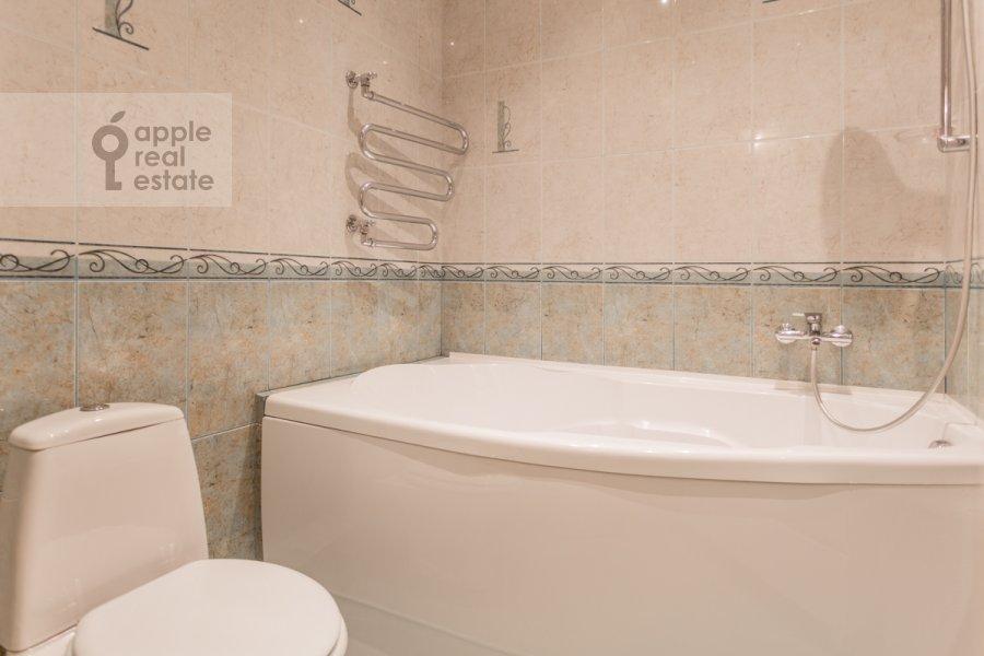Bathroom of the 3-room apartment at Kutuzovskiy pr-kt 4/2