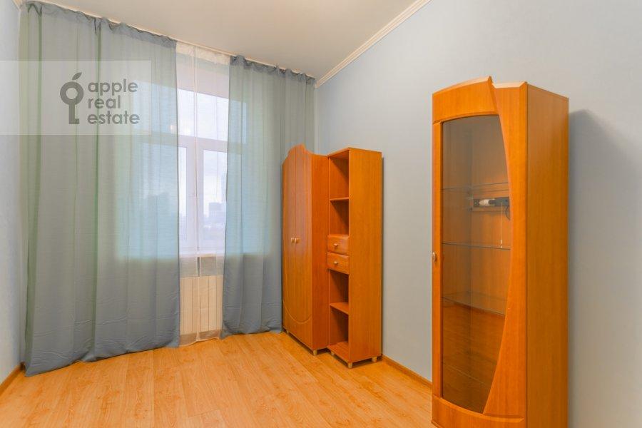 Children's room / Cabinet of the 3-room apartment at Kutuzovskiy pr-kt 4/2