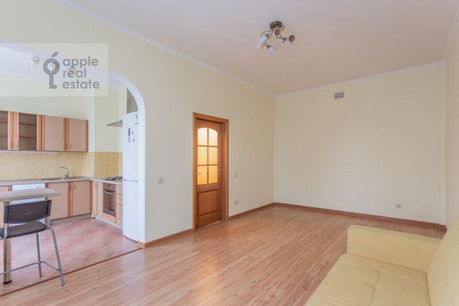 Living room of the 3-room apartment at Kutuzovskiy pr-kt 4/2