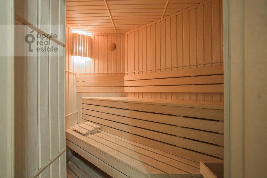 Bathroom of the 5-room apartment at Tishinskiy Bol'shoy per. 38s1