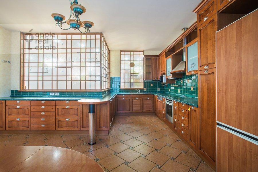 Kitchen of the 5-room apartment at Tishinskiy Bol'shoy per. 38s1