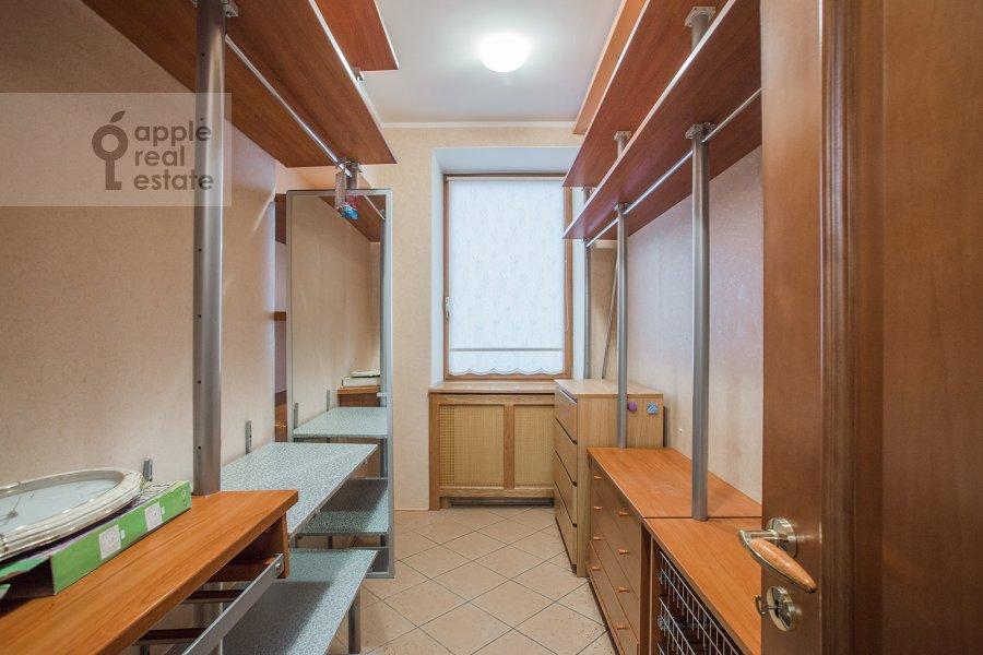 Walk-in closet / Laundry room / Storage room of the 5-room apartment at Tishinskiy Bol'shoy per. 38s1