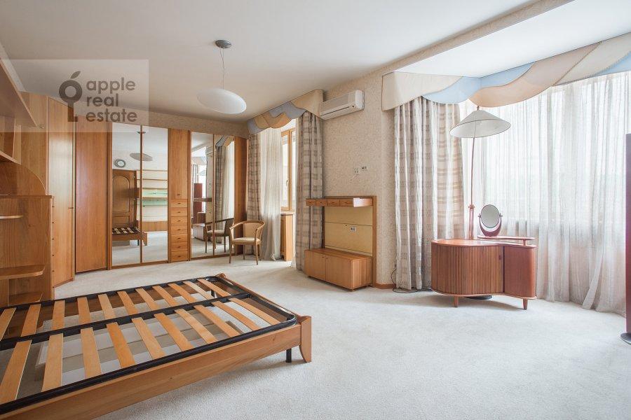 Bedroom of the 5-room apartment at Tishinskiy Bol'shoy per. 38s1