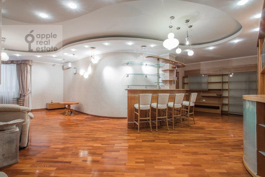Living room of the 5-room apartment at Tishinskiy Bol'shoy per. 38s1