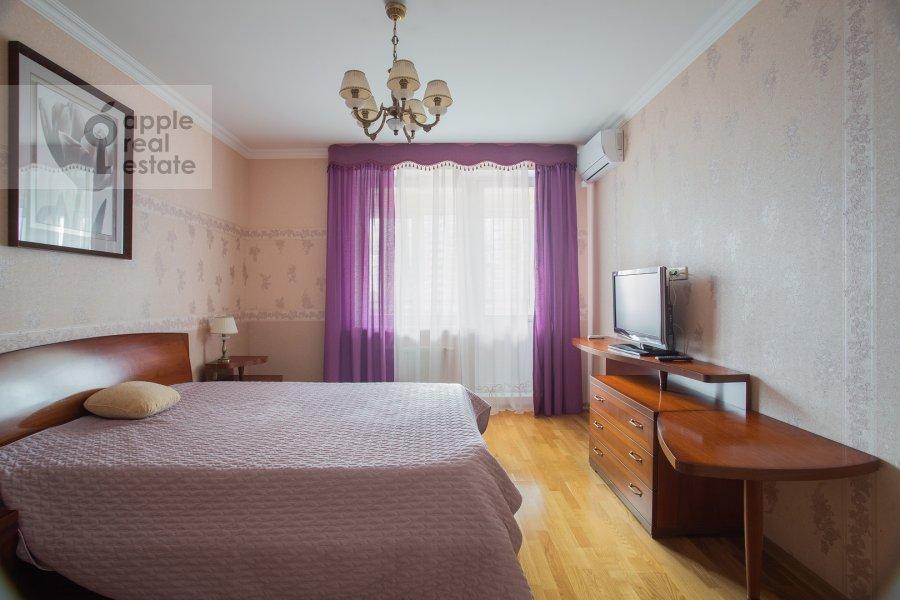 Спальня в 2-комнатной квартире по адресу Удальцова ул. 17к1