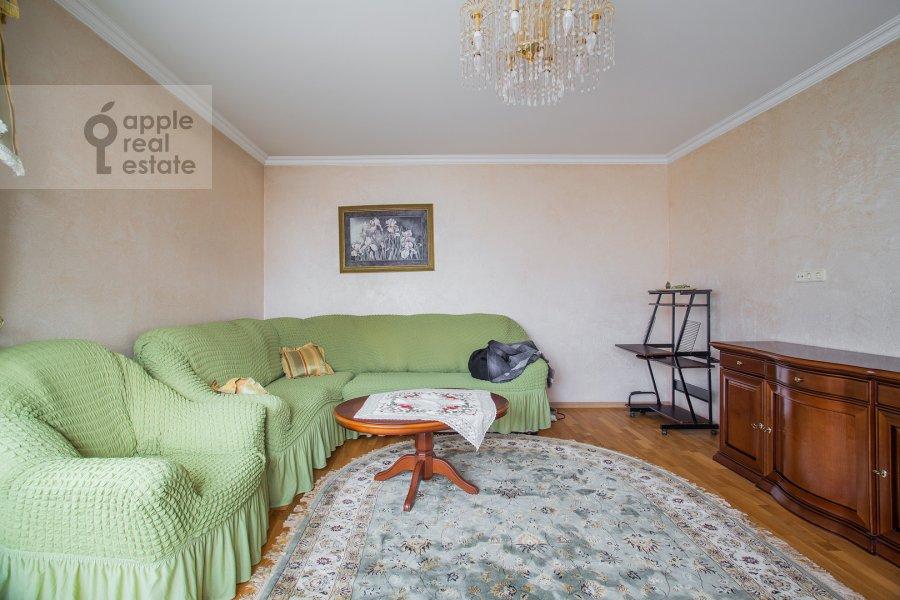 Гостиная в 2-комнатной квартире по адресу Удальцова ул. 17к1