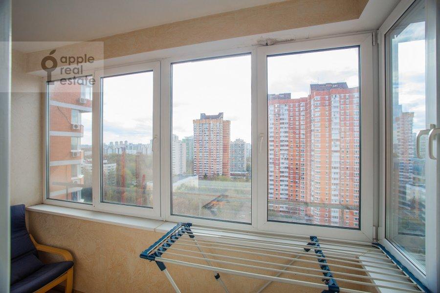 Балкон / Терраса / Лоджия в 2-комнатной квартире по адресу Удальцова ул. 17к1