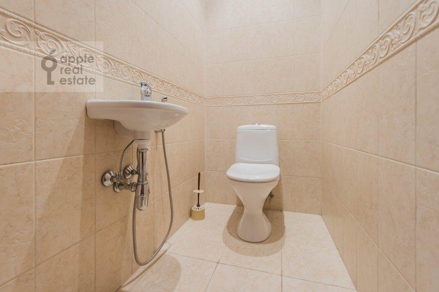 Bathroom of the 2-room apartment at Taganskaya ul. 36k2