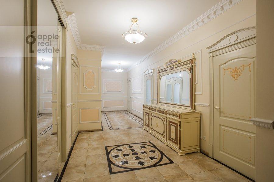 Коридор в 5-комнатной квартире по адресу Чапаевский пер 3