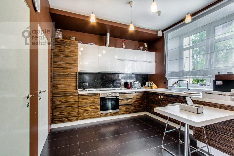 Kitchen of the 6-room apartment at Dosflota pr. 16k1